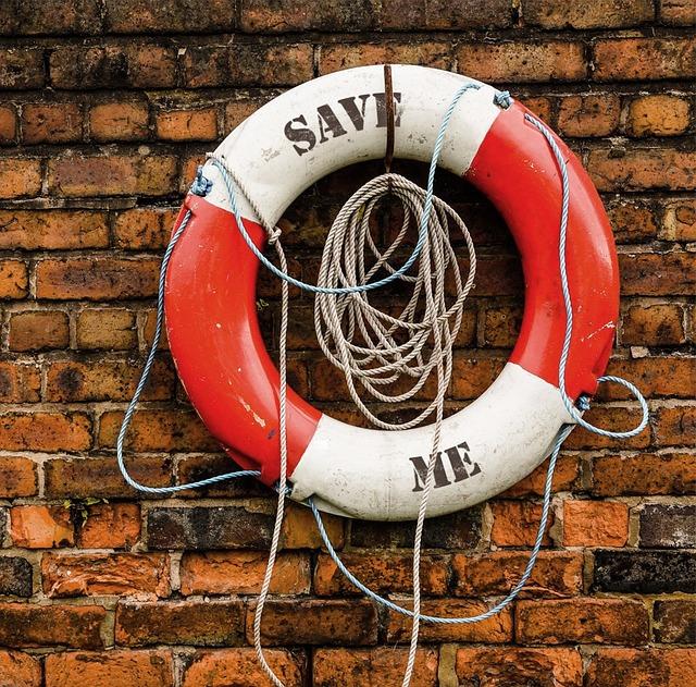 life-saving-swimming-tube-737370_640